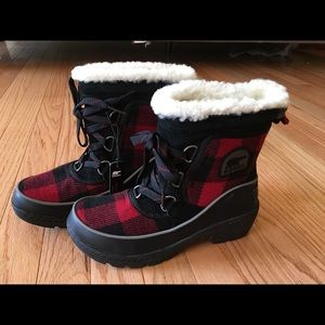 Sorel women's Tivoli III boots